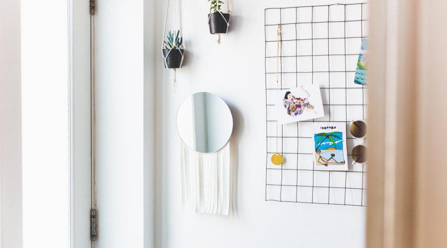 DIY Mirror & Tassel Letter Holder