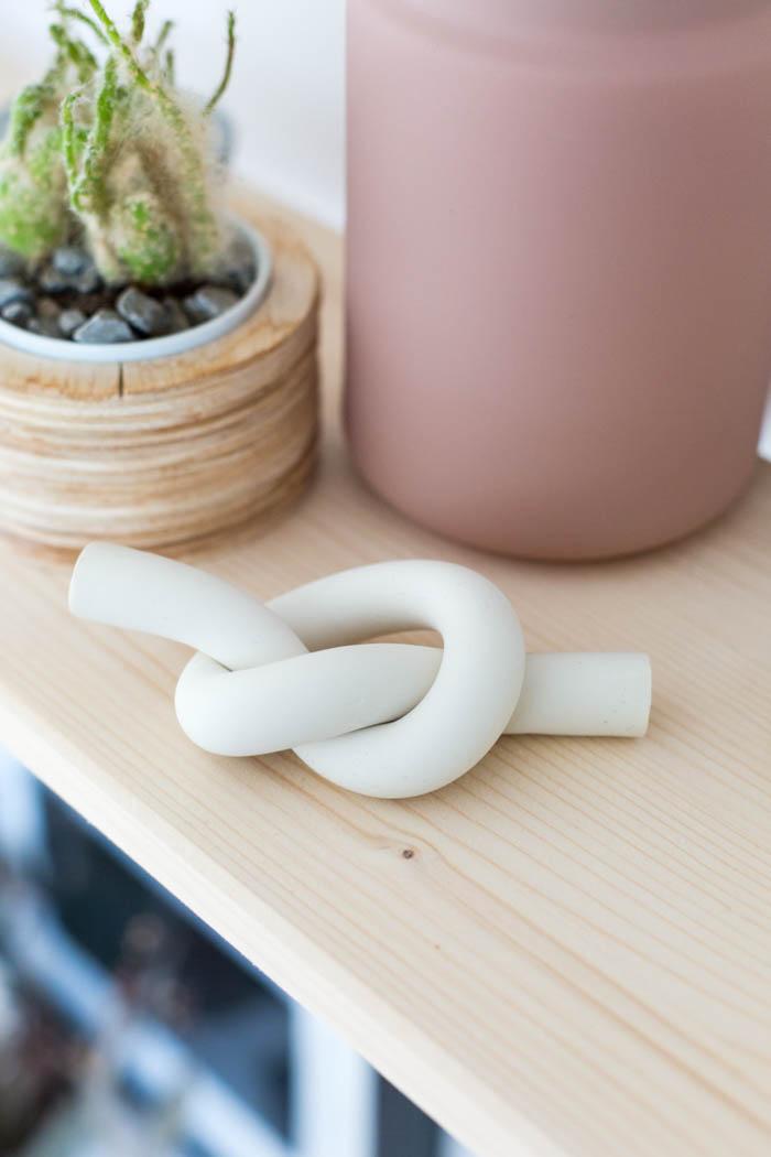 DIY Polymer Clay Knot Paperweight | @fallfordiy